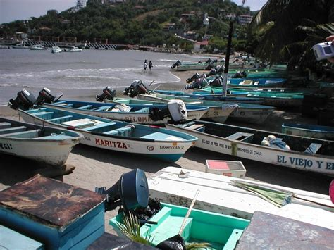 Fishing Boats In Zihuatanejo by 84 Best Ixtapa Zihuatanejo Images On Amazing