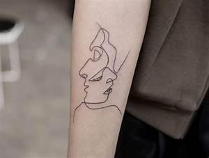 Tatouage Simple Homme : 1001 id es tatouage ailes avant bras et ailes de poulet ~ Melissatoandfro.com Idées de Décoration