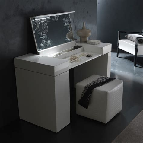 irwin dressing table