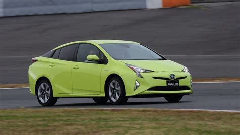 toyota car 2016 2016 toyota prius review quick drive photos 1 of 32