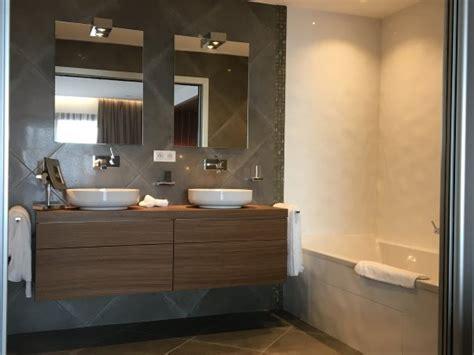 chambre sofitel salle de bain suite luxe photo de hôtel le week end