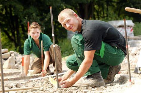 Garten Landschaftsbau Tätigkeiten by Garten Und Landschaftsbau Beruf G 228 Rtner