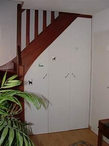 Amenager Sous Escalier : mon amenagement placard sous escalier fait par des pros ~ Voncanada.com Idées de Décoration