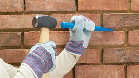 clean mortar  bricks   hammer  bolster