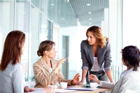 womenadvance  female leaders   charge