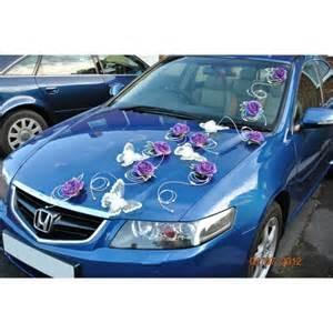 decoration voiture mariage originale décoration voiture de mariage avec papillon commande levert bouquet de la mariee