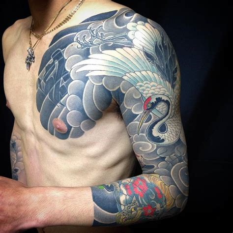 japanese style red crowned crane sleeve  chest