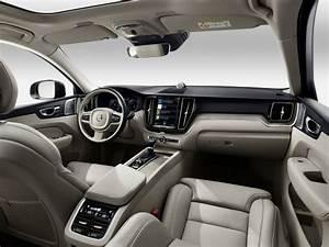 Nouveau Volvo Xc60 : en images le nouveau suv volvo xc60 pr sent au salon de gen ve 2017 vue avant du nouveau ~ Medecine-chirurgie-esthetiques.com Avis de Voitures