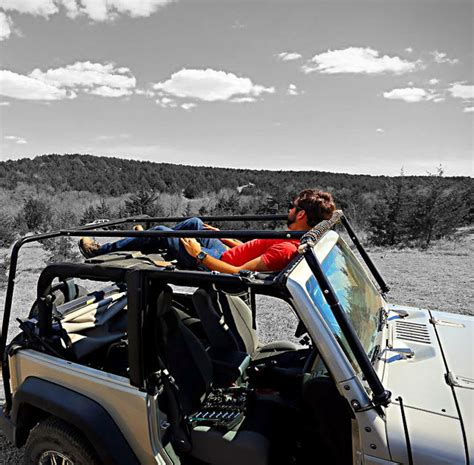 jammock turns  roof   jeep   functional hammock perfect  stargazing techeblog