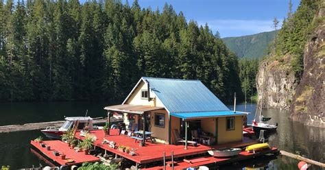 Whether you are searching for a home in idaho, colorado, or new mexico, you can find your getaway here. Powell River Books Blog: Float Cabins for Sale on Powell ...