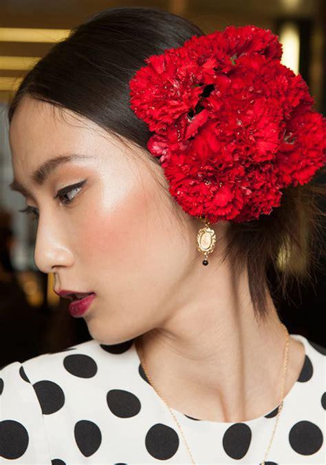 runway beauty spanish red lips  dolce gabbana spring