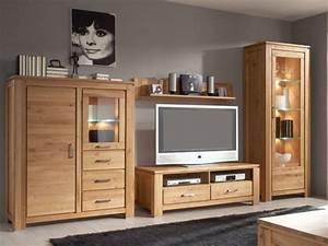 Meuble Salon Bois : le meuble massif est il convenable pour l 39 int rieur ~ Teatrodelosmanantiales.com Idées de Décoration