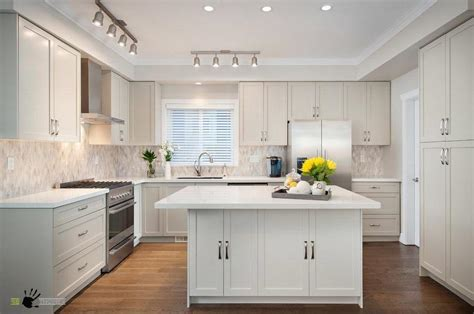 bright kitchen ideas backsplash amazing kitchen backsplash ideas bright