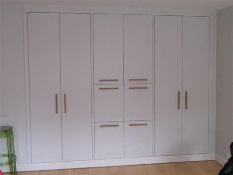 armoire encastrable pour chambre placard avec secrétaire integré contemporain armoire