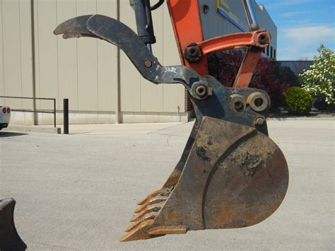 rent  hydraulic excavator thumbs fully equippedfully equipped