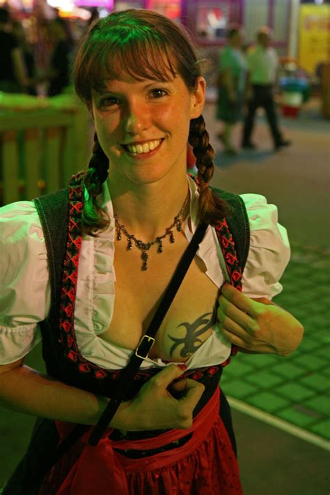 zeig mir dein tatoo foto bild deutschland