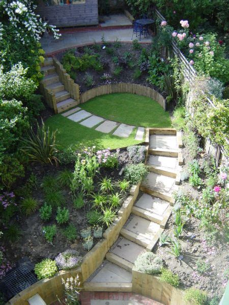 Steep Backyard by Best 25 Steep Gardens Ideas On Terraced