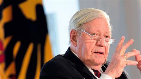 Former German Chancellor Helmut Schmidt Dies at 96