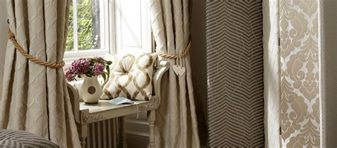 lila wohnzimmer gardinen dekorationsideen freshouse