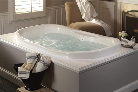 bathtub with jets air tub vs whirlpool what s the difference