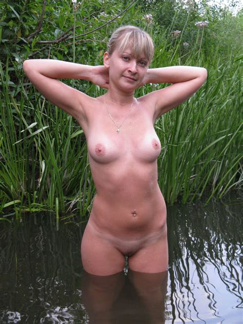Lovely Russian Amateur Girl Posing Naked Outdoors