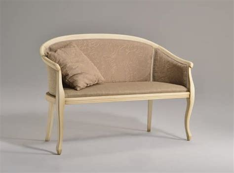 divanetti classici divani eleganti pozzetto divanetto 8032l