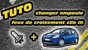 Feux Clio 3 : tuto changer ampoule feux de croisement clio 3 how to change a clio 3 39 s headlight bulb youtube ~ Medecine-chirurgie-esthetiques.com Avis de Voitures