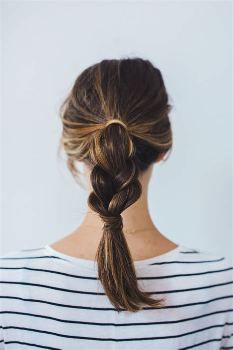 Easy Ponytail Hairstyles For by 2 Insanely Easy Ponytail Hairstyles The Fox She
