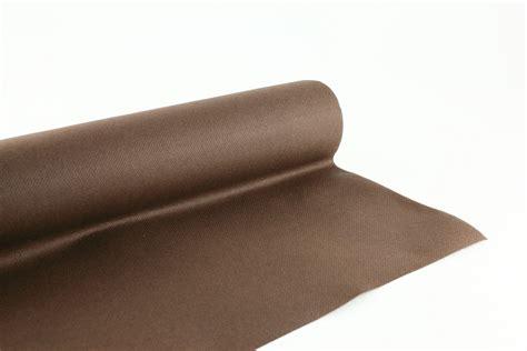 nappe en papier jetable nappe en papier jetable non tiss 233 1 20 m x 40m chocolat rouleau nappe jetable fournimag