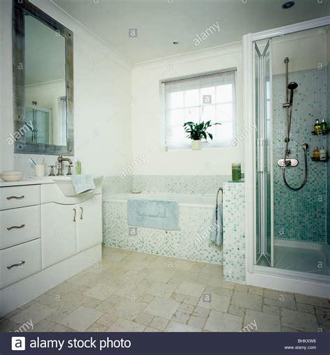 Bodenbelag Im Bad by Bodenbelag Im Bad Bodenebene Dusche Mit With Bodenbelag
