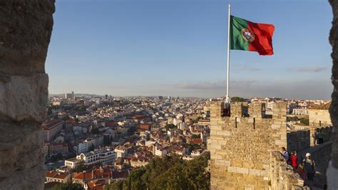 In Portugal by What Type Of Government Does Portugal Reference