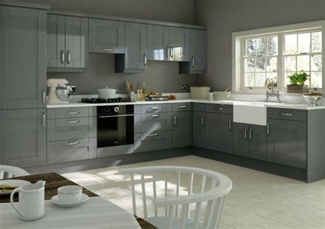cuisine peinture grise cuisine gris anthracite 56 idées pour une cuisine chic et moderne