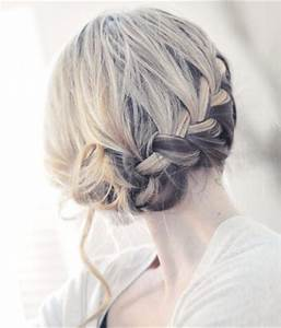 House of Cyclax: DIY French Braid Side Bun
