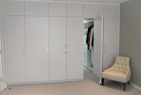 Bedroom Ensuite Wardrobe by Contemporary Built In Wardrobe Units With Tv