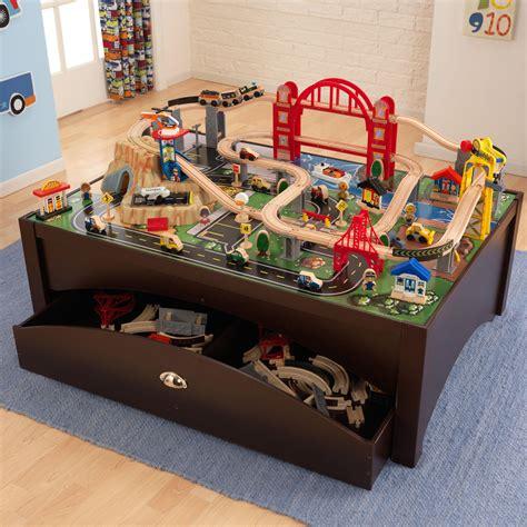Amazoncom Kidkraft Metropolis Train Table & Set Toys