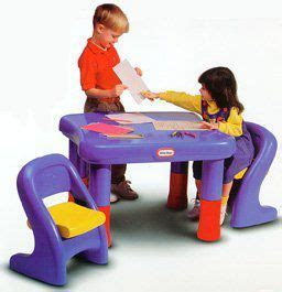 tikes easy store table with umbrella