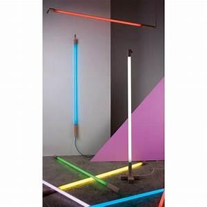 Neon Deco Chambre : applique lampe n on linea bleu h140 cm seletti lumi design ~ Teatrodelosmanantiales.com Idées de Décoration