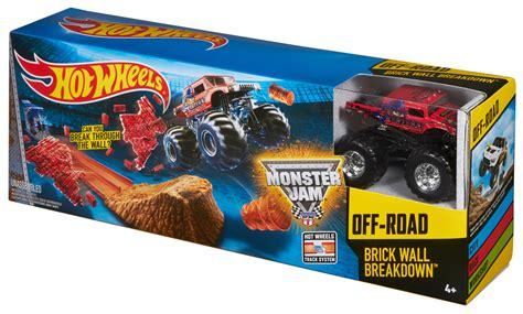 monster truck race track toy 100 monster jam truck toys triple h monster trucks
