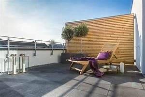 Holz Sichtschutz Balkon : terrasse und balkon gestalten sie eine gem tliche oase im au enbereich ~ Markanthonyermac.com Haus und Dekorationen