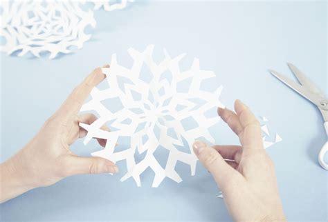 kirigami japanese art  paper cutting
