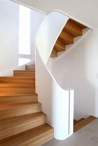 Holztreppen Geländer Selber Bauen : die besten 25 gewendelte treppe ideen auf pinterest treppengel nder innen treppen gel nder ~ Markanthonyermac.com Haus und Dekorationen