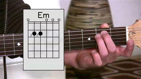 belajar bermain gitar  pemula kunci dasar