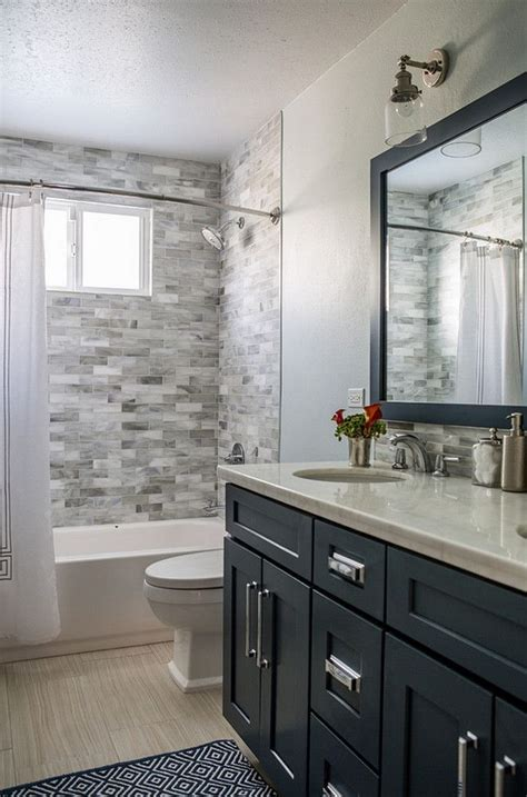 Small Guest Bathroom Ideas by 25 Best Ideas About Guest Bathroom Remodel On