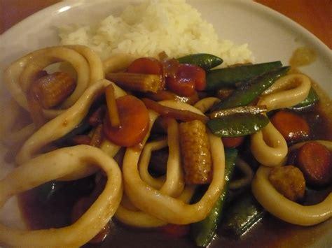 cuisiner le calamar celle qui cuisinait ou le plaisir de cuisiner wok de calamars