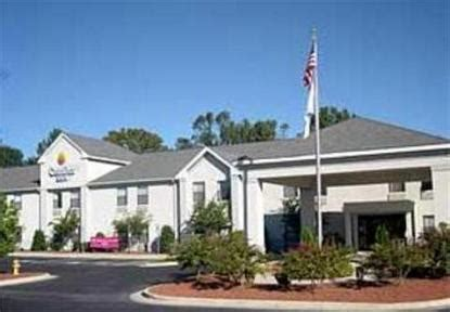 comfort inn clinton nc comfort inn clinton clinton deals see hotel photos