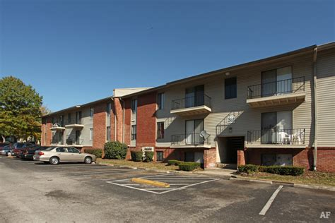 3 Bedroom Apartments In Ky by Summit Apartments Louisville Ky Apartment Finder