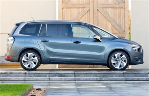 dimension grand c4 picasso citroen grand c4 picasso dimensions 173 uk exterior and interior sizes carwow