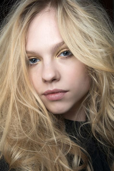 How to Get Tousled Hair: Expert Tricks and Tips | StyleCaster