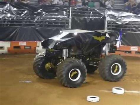 monster jam batman truck batman monster truck jump mania melbourne youtube