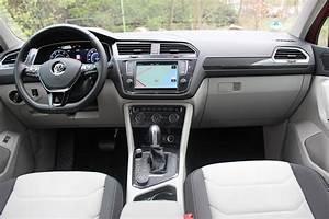 Volkswagen Tiguan 7 Places : essai vid o volkswagen tiguan 2 le r veil de la force ~ Medecine-chirurgie-esthetiques.com Avis de Voitures